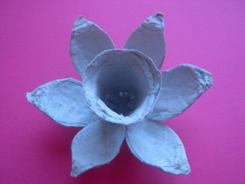 Egg-Carton-Daffodils4