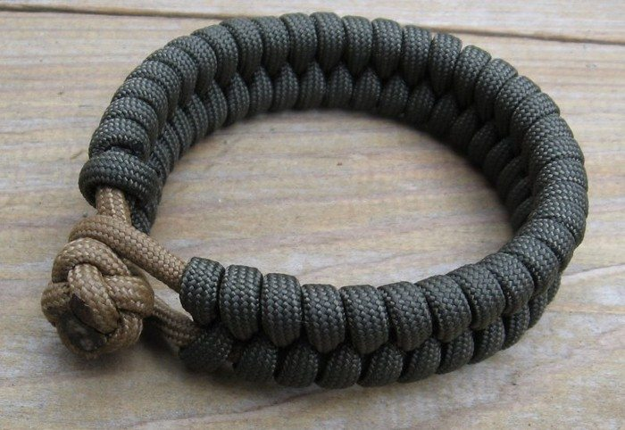Diy Paracord Bracelet Craft Projects For Every Fan