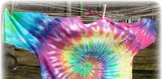How to Tie Dye a White Shirt