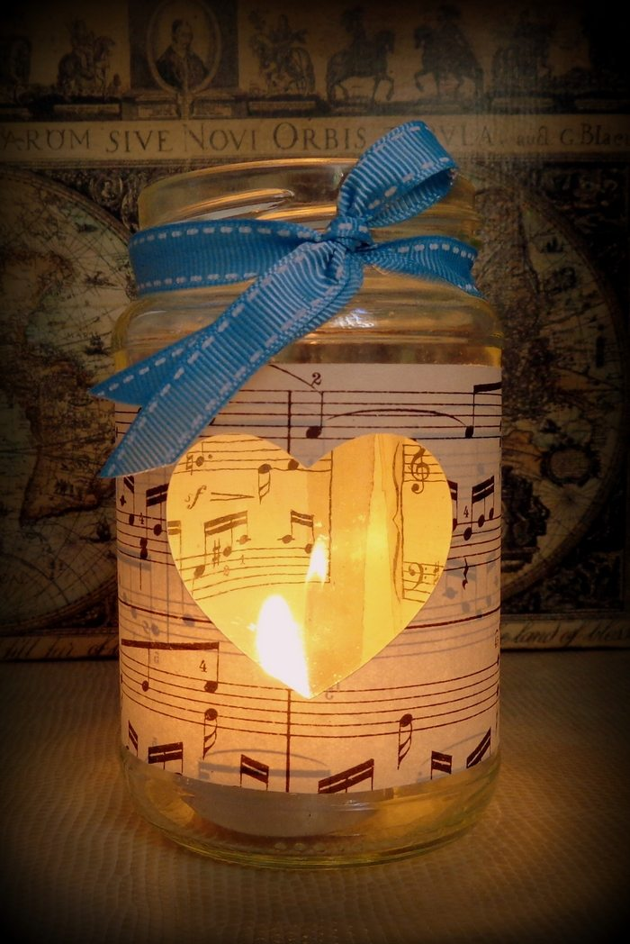 Music Themed Living Room Decor: Craft Projects For Every Fan