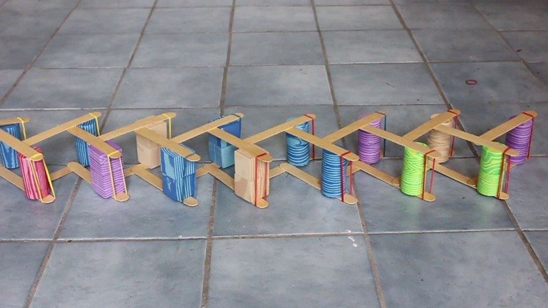 Chain reaction popsicle stick bombs