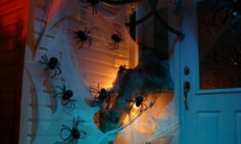 Halloween Decor Ideas for Your Front Door