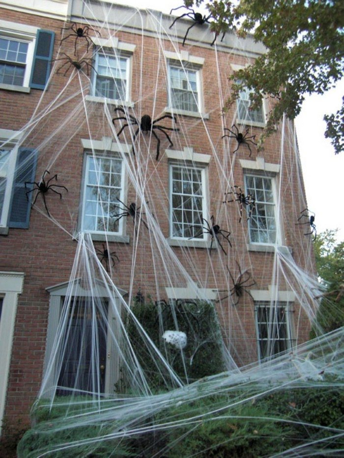 Deadly Halloween Decors