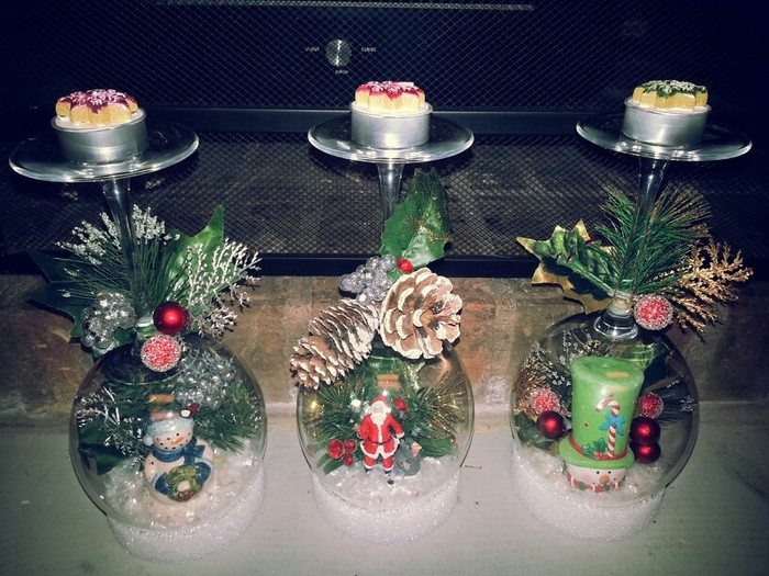 Wine glass snow globes craft projects for every fan for Holiday wine glass crafts