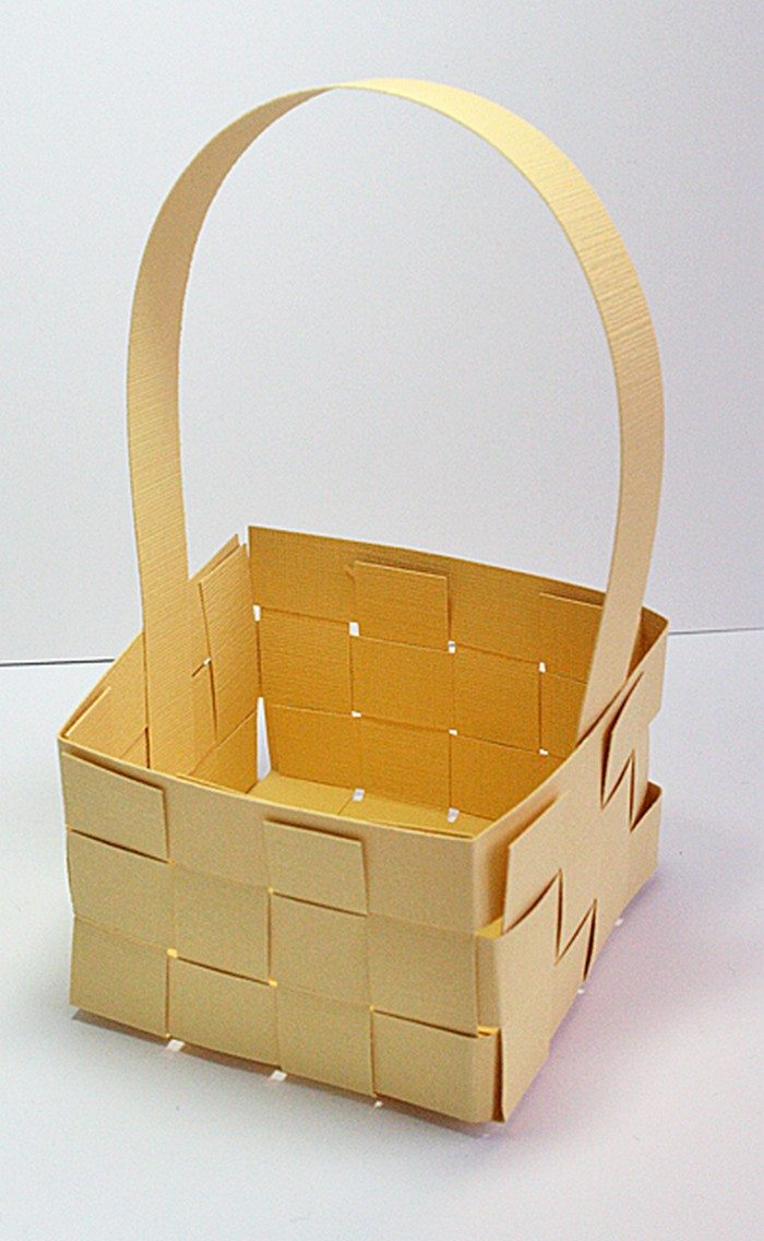 paper basket weaving template - how to make woven paper easter baskets craft projects