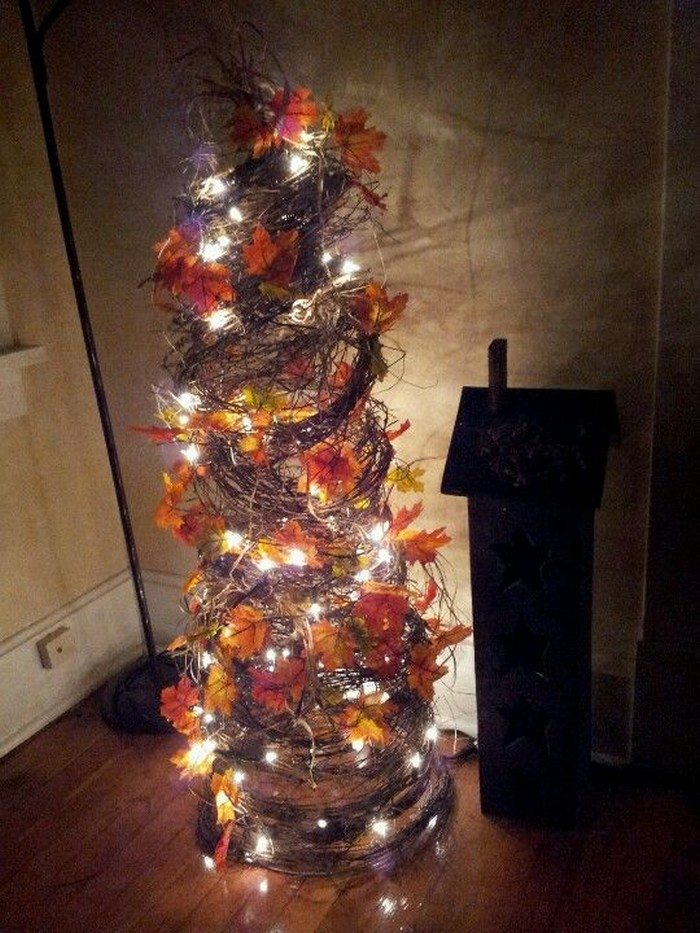 Make A Tomato Cage Fall Tree Craft Projects For Every Fan