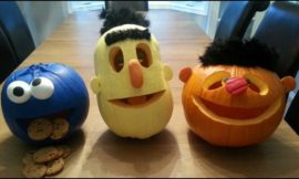 Make Sesame Street pumpkins for a cute Halloween decor!