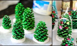 Mini Christmas tree made from pine cones!