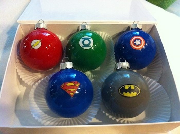 Make Christmas super awesome with these DIY superhero Christmas ornaments!