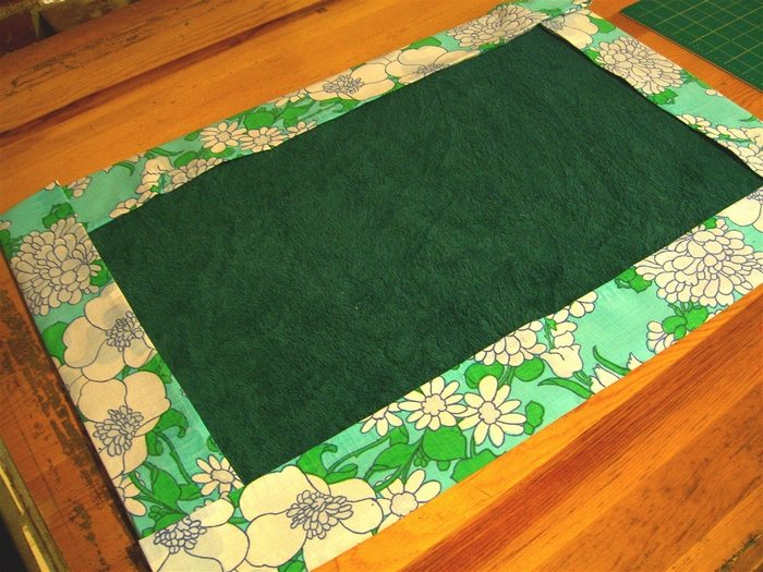 Make Your Own Soft And Super Absorbent Bath Mat From Old