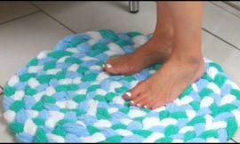 Make your own soft and super-absorbent bath mat from old towels