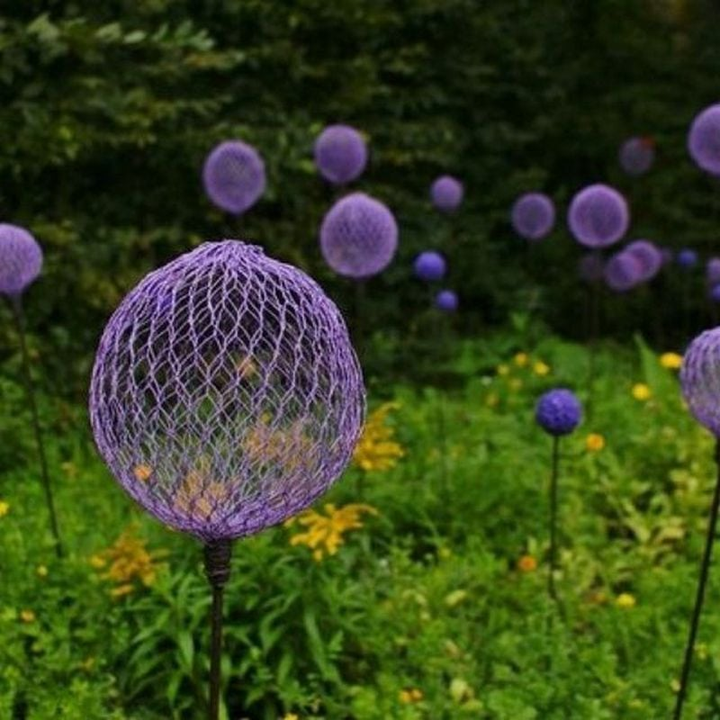 Giant alliums made from chicken wire would make great garden decors.