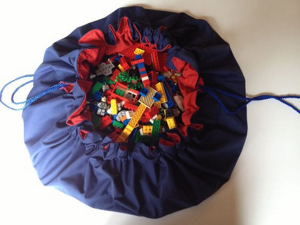 Do you have your kids' toys scattered everywhere? This DIY toy cinch sack will solve that problem!