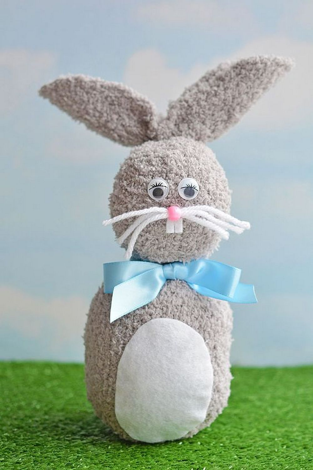 DIY No-Sew Sock Bunny | Craft projects for every fan!