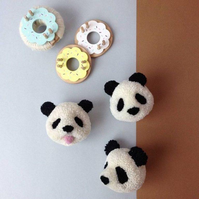 DIY Panda Pom Pom