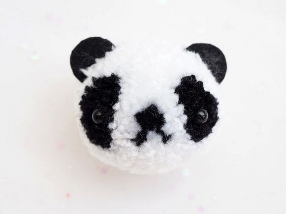 These panda pom poms are pretty hard to resist... agree?
