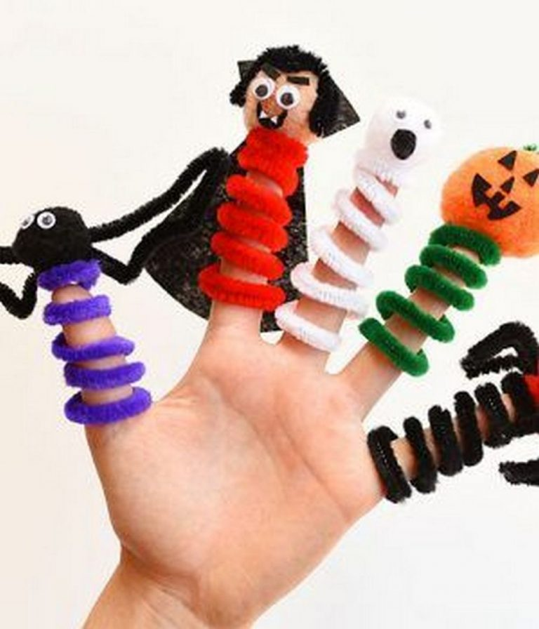 DIY Pipe Cleaner Finger Puppets