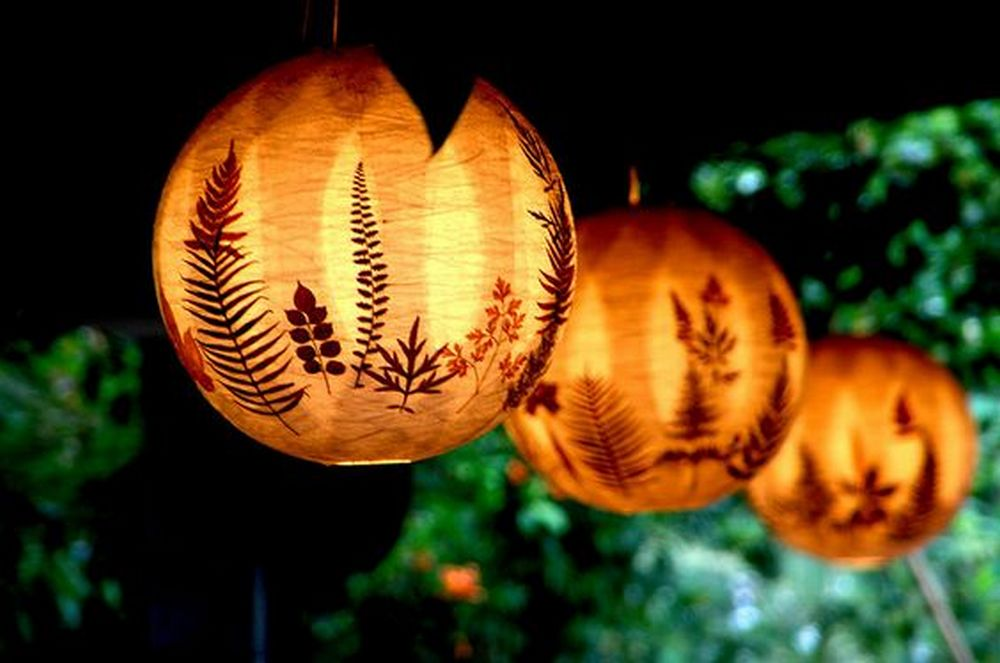 These would make beautiful garden decors during a party.