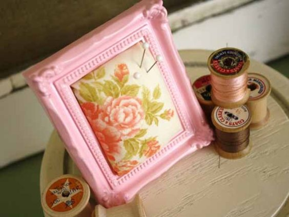 Repurpose a Photo Frame into a Pin Cushion!