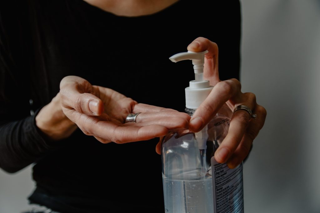 It's easy to make a good hand sanitizer at home.